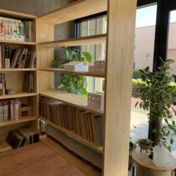 事務所の棚